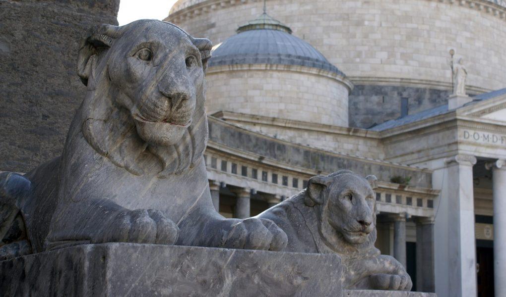piazza del plebiscito leggenda state equestri perchè nessuno riesce ad attraversarle